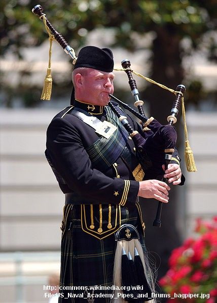 bagpiper for hire photo 1