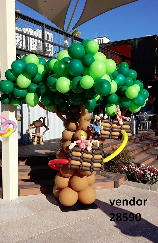 balloon artist tree entertainer
