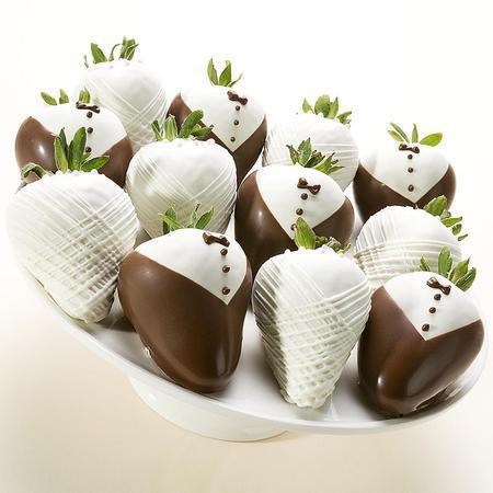 chocolate strawberries bride groom chocolate strawberries weddings