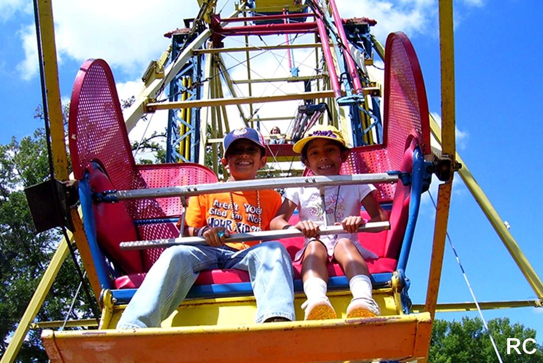 ferris wheel rental kids riding