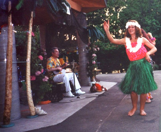 johnny pineapple hawaiian tropical live band hula dancers