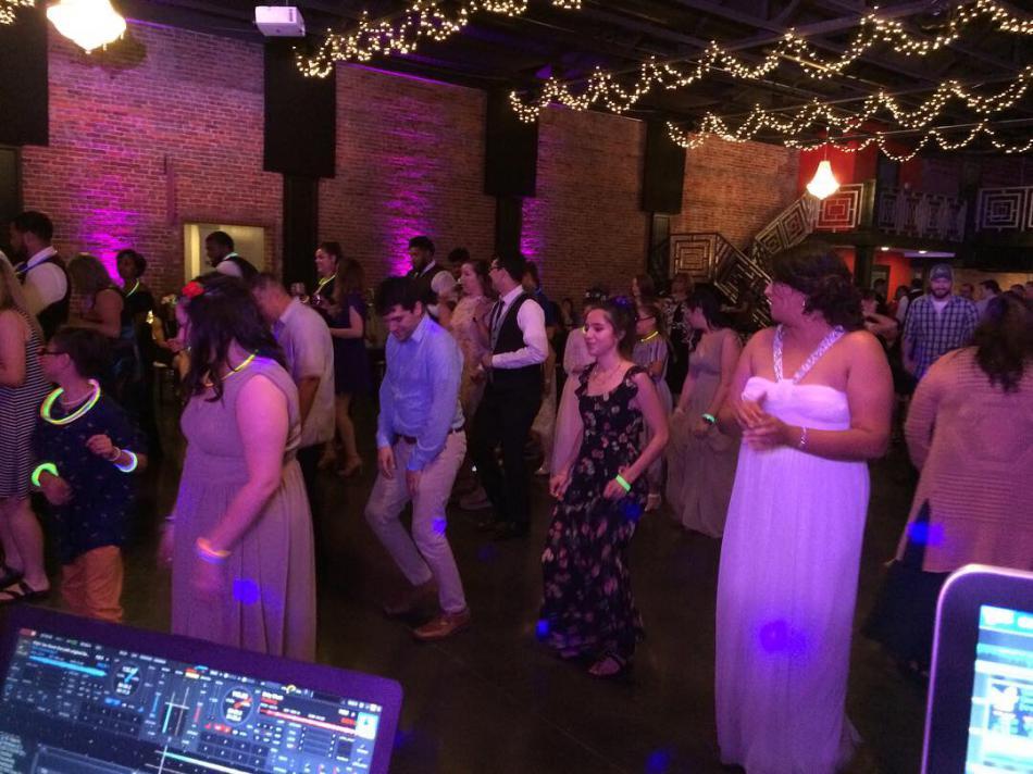scott dj and people dancing